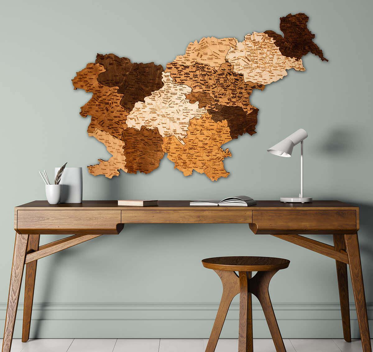 Holzkarte von Slowenien